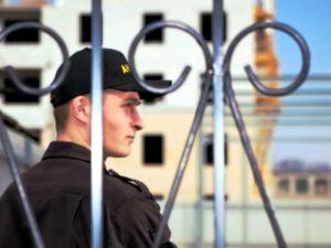 работа в охране в москве зарплата от 50000 рублей